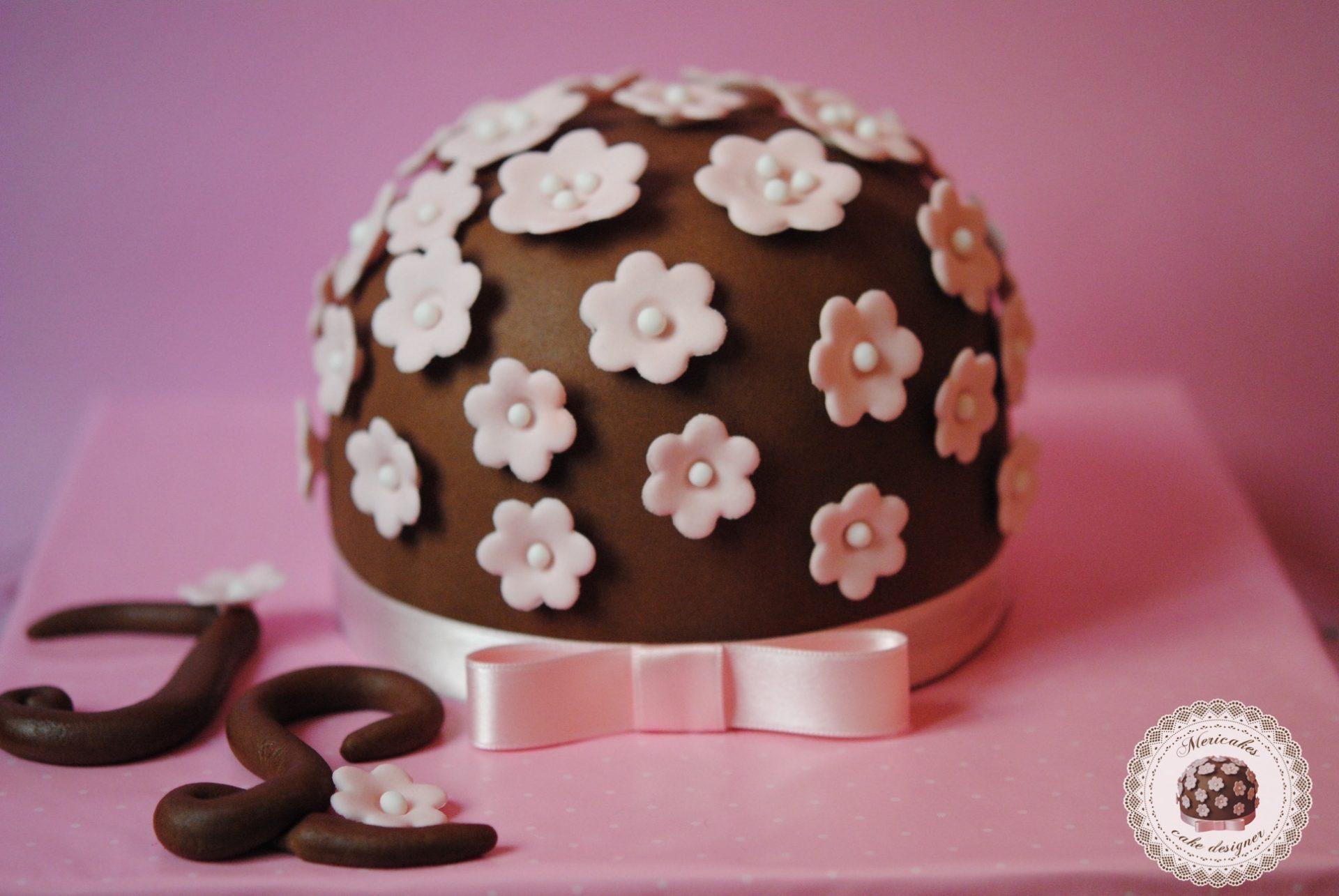tarta-primavera-logo-mericakes-mericakes-tarta-sugarcraft-cake-sugarflowers-barcelona-cake-decorating-tartas-decoradas-nata-con-fresas6