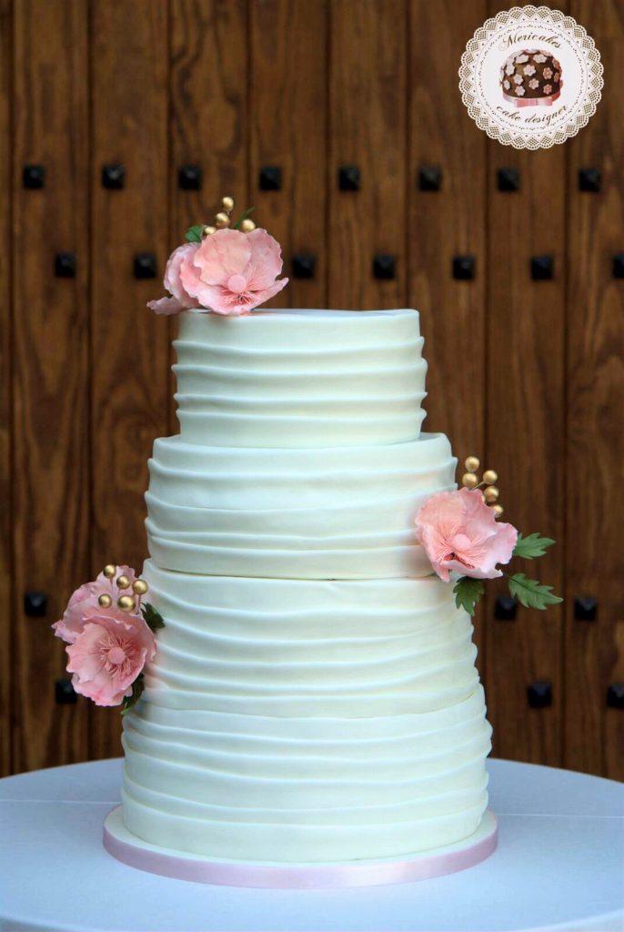 wedding-cake-anemona-sugarcraft-barcelona-mericakes-mas-de-sant-llei-bodas-barcelona-tarta-de-boda-flores-de-azucar_fotor