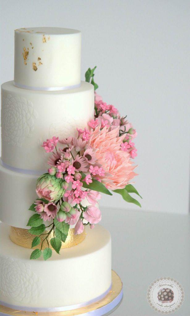 wedding-cake-spring-blooms-mericakes-barcelona-tarta-de-boda-gold-leaf-sugar-flowers-dahlia-sweet-pea-fondant-daisy-13