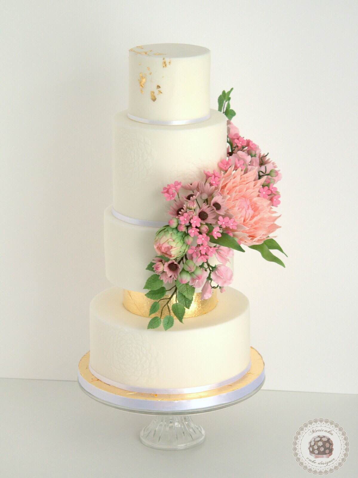 wedding-cake-spring-blooms-mericakes-barcelona-tarta-de-boda-gold-leaf-sugar-flowers-dahlia-sweet-pea-fondant-daisy-20