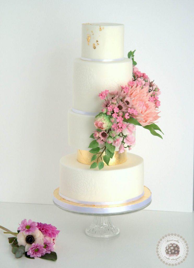 wedding-cake-spring-blooms-mericakes-barcelona-tarta-de-boda-gold-leaf-sugar-flowers-dahlia-sweet-pea-fondant-daisy-26