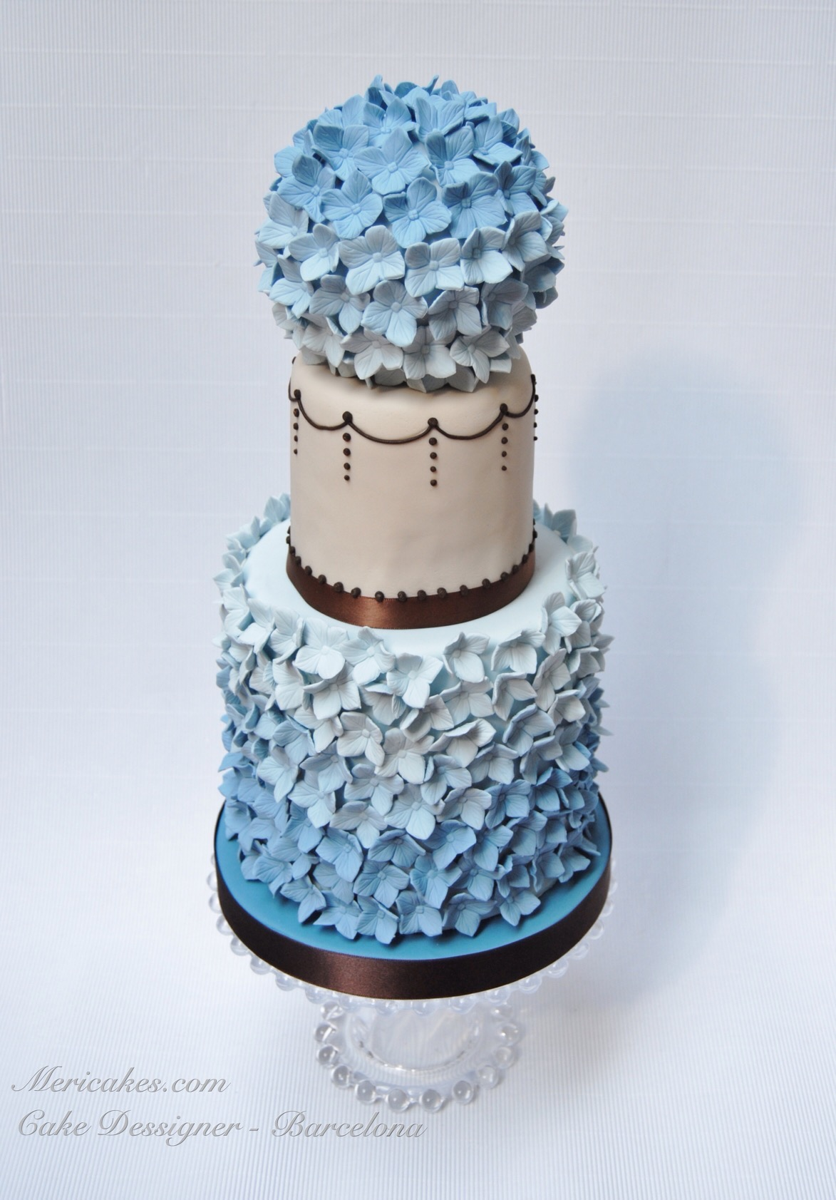 wedding-cake-tarta-de-boda-fondant-pastel-de-boda-hydrangea-hortensias-cake-mericakes-barcelona-bluebell-cake-desi