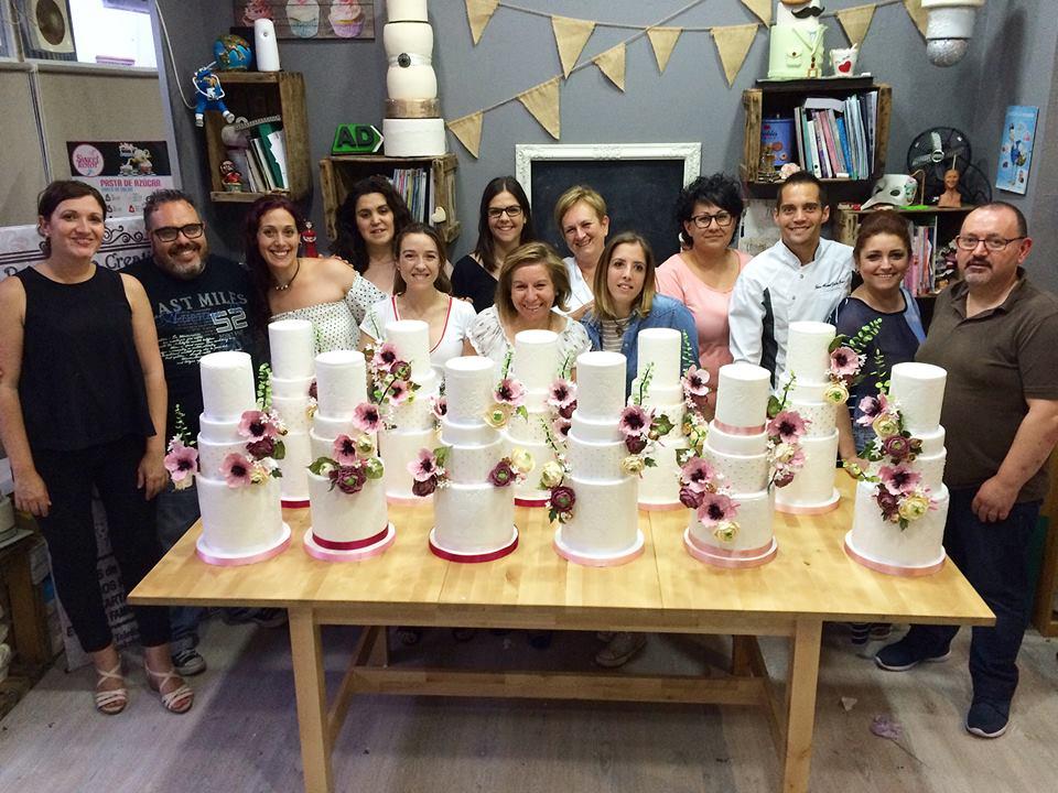 master-class-tartas-de-boda-mericakes-wedding-cakes-cadiz-fondant-sugarcraft-reposteria-creativa-cursos-bridal-qiei