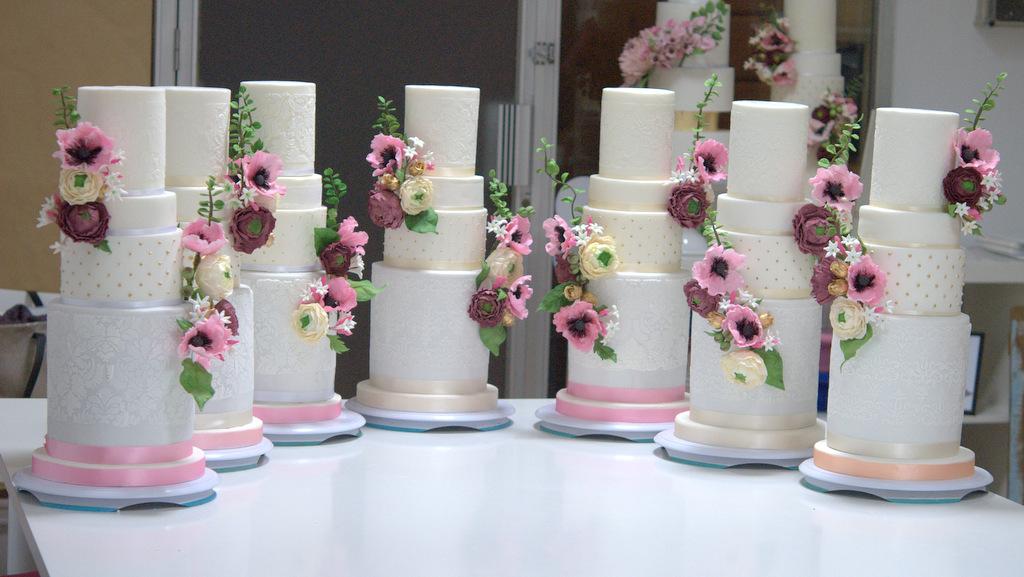 master-class-love-is-in-the-cake-curso-reposrteria-creativa-tartas-de-boda-wedding-cake-tartas-decoradas-fondant-mericakes-sugarcraft-flores-25