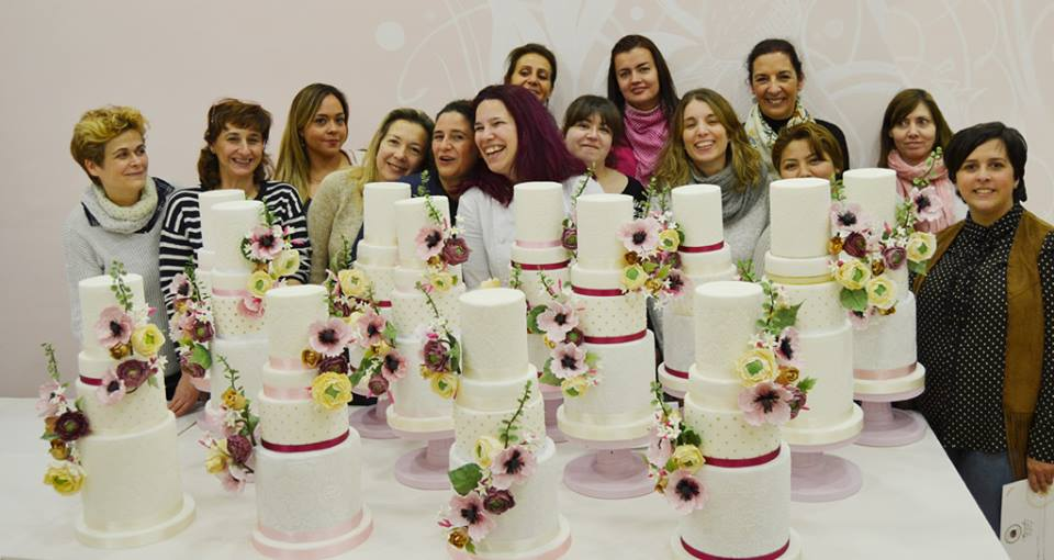 master-class-love-is-in-the-cake-curso-reposrteria-creativa-tartas-de-boda-wedding-cake-tartas-decoradas-fondant-mericakes-tarta-mallorca-61