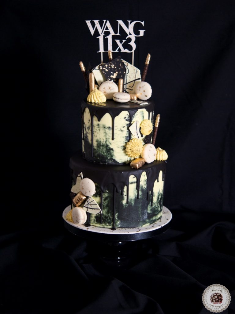 drip-cake-cream-cake-tartas-decoradas-reposteria-creativa-mericakes-barcelona-macarons-black-and-gold-kiss-meringue-birthday-cake-pastel-2