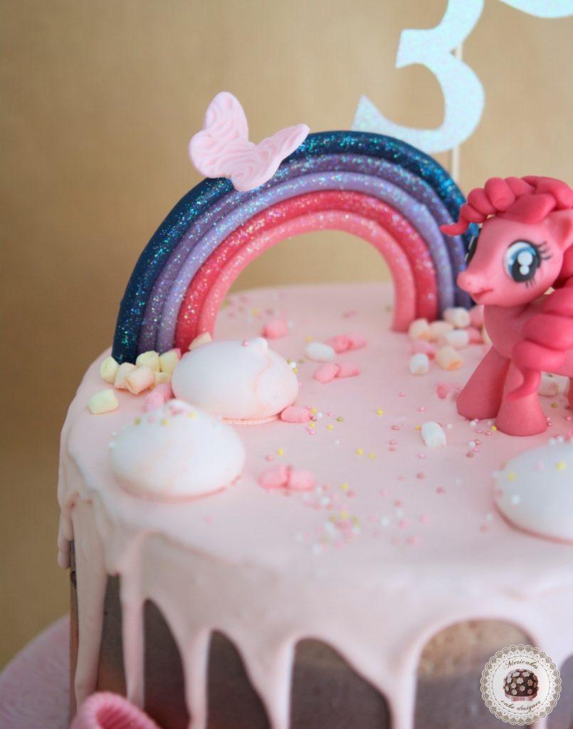 drip-cake-tartas-decoradas-my-little-pony-pinkie-pie-mi-pequeno-pony-mericakes-chocolate-meringue-kisses-pink-cake-pastel-de-cumpleanos-tartas-personalizadas-reposteria-creativa-5