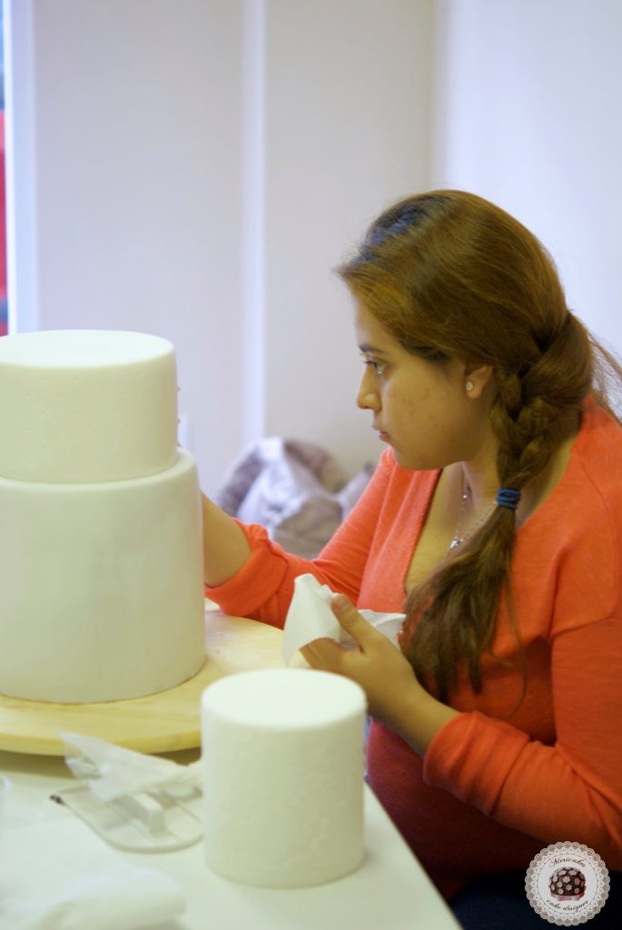 master class love is in the cake, mericakes, alicante, tartas de boda, wedding cake, flores de azucar, curso reposteria, pasteleria creativa, master class, sugarcraft, sugar flowers 12