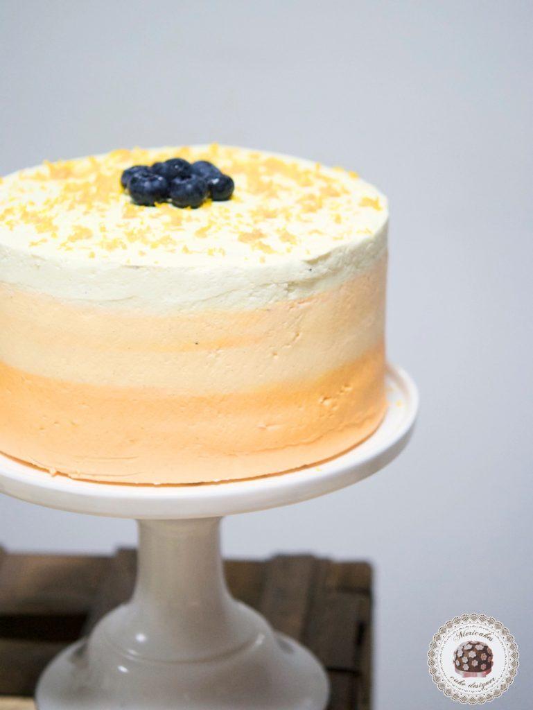 Carrot cake con naranja y nueces, relleno con crema de queso americano y vainilla Bourbon.