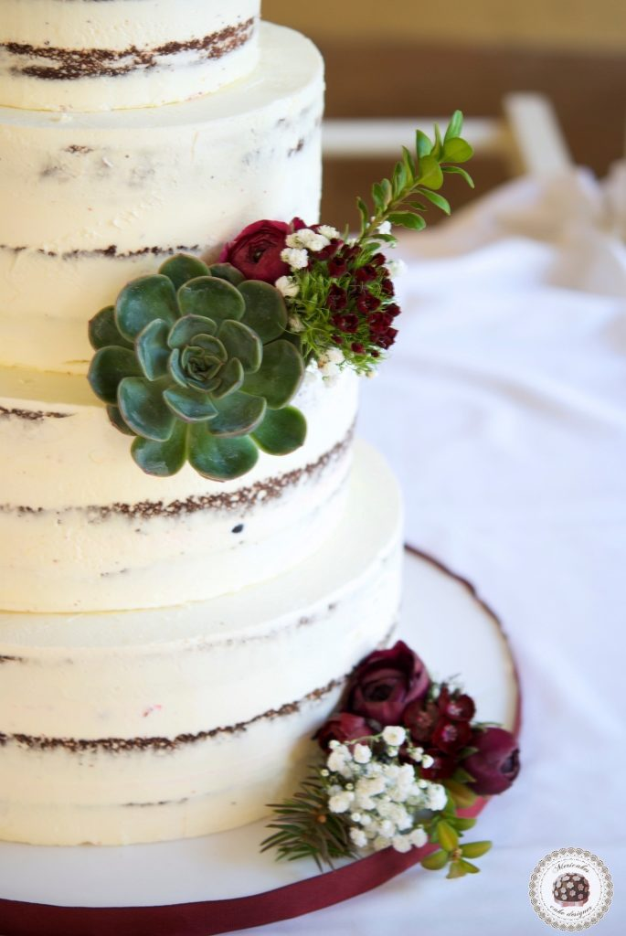 Wedding cake, tarta de boda, naked cake, semi naked, mericakes, just married, espai can pages, spain wedding, carol y jandro, just married, red velvet 4