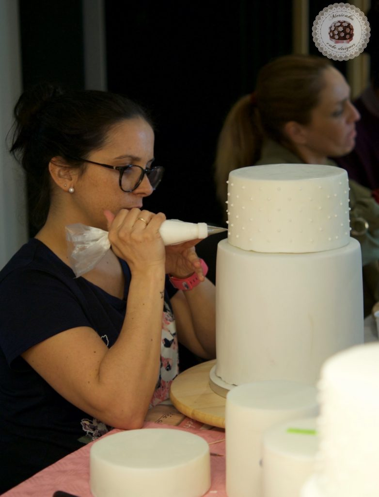 master class love is in the cake, mericakes, bilbao, algorta, pais vasco, tartas de boda, wedding cake, flores de azucar, curso reposteria, pasteleria creativa, master class, sugarcraft, sugar flowers 9