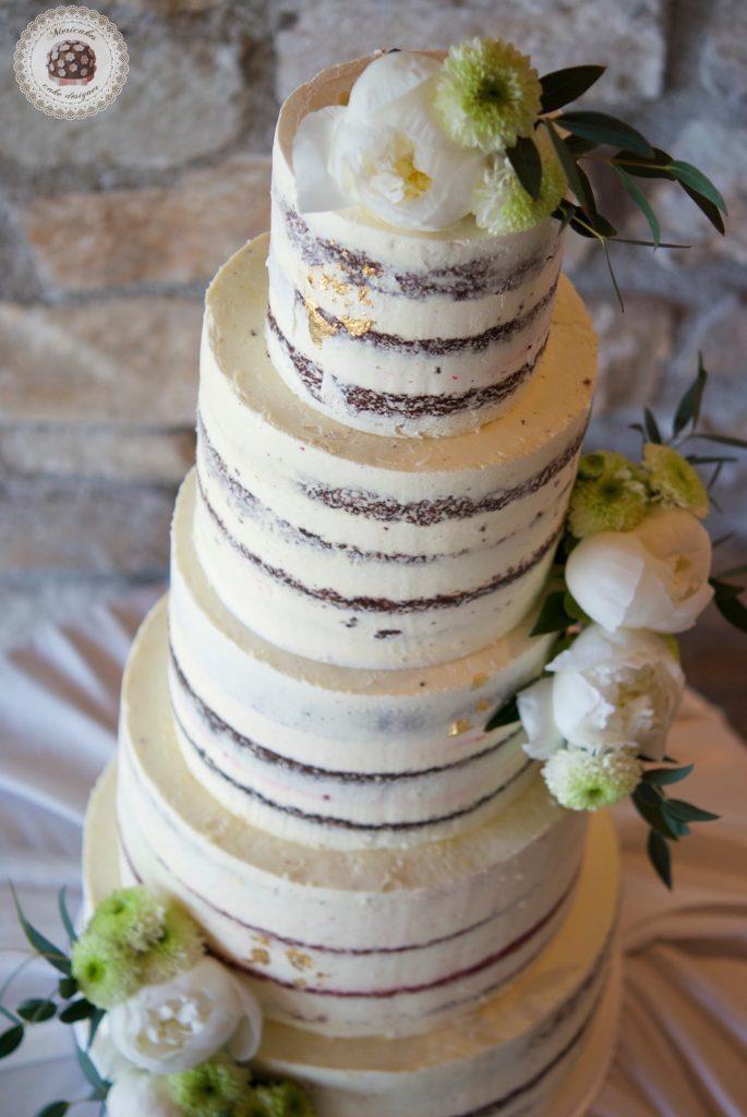 Semi naked cake, red velvet, wedding cake, tarta de boda, spain wedding, wedding flowers, peony, peonias, mericakes, barcelona wedding, mas de sant llei, gold leaf, eucalyptus, bodas reales, casarse a catalunya 2
