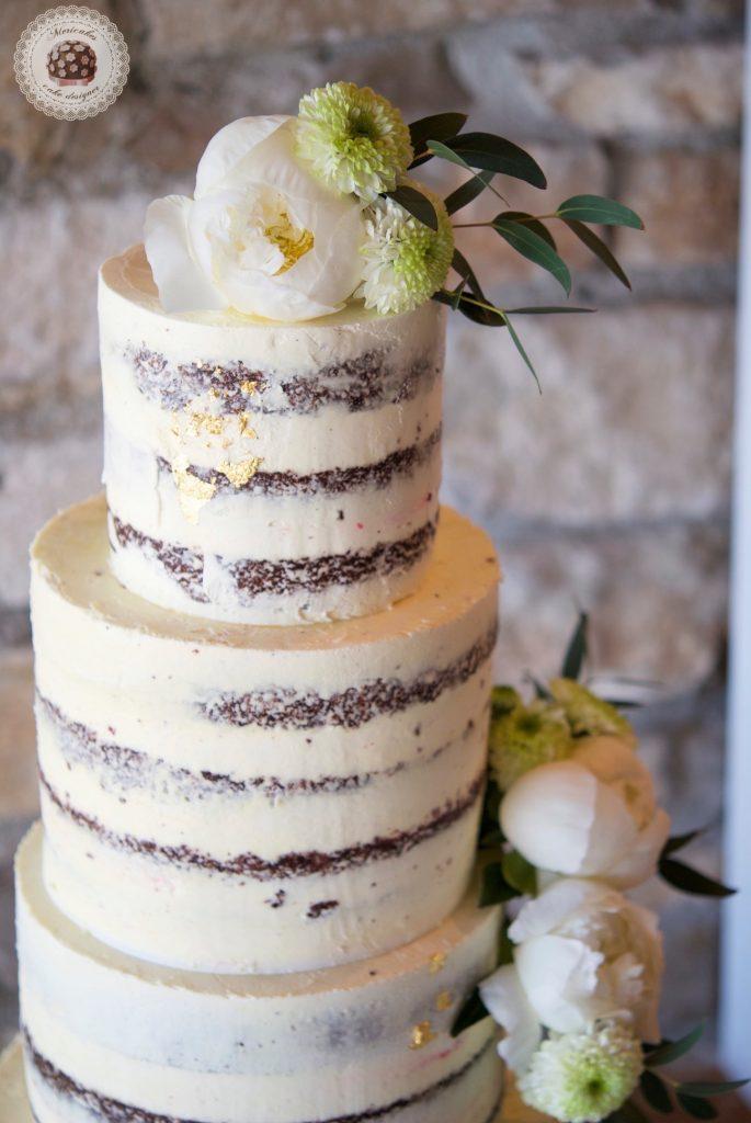 Semi naked cake, red velvet, wedding cake, tarta de boda, spain wedding, wedding flowers, peony, peonias, mericakes, barcelona wedding, mas de sant llei, gold leaf, eucalyptus, bodas reales, casarse a catalunya 5