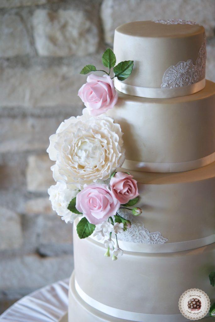 Wedding cake, fondant cake, lace, tartas de boda, tortas, mericakes, barcelona, peony, sugar flowers, flores de azucar, encaje, nude, pastry, pasteleria creativa, spain wedding, bodas reales 1