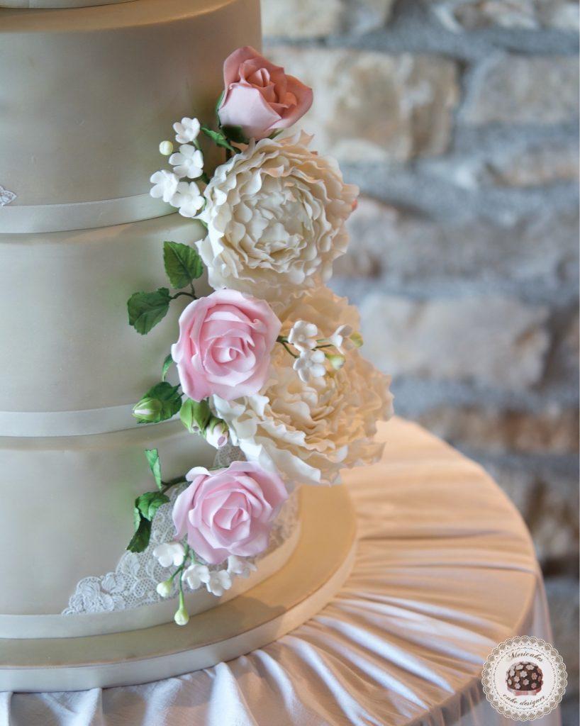 Wedding cake, fondant cake, lace, tartas de boda, tortas, mericakes, barcelona, peony, sugar flowers, flores de azucar, encaje, nude, pastry, pasteleria creativa, spain wedding, bodas reales 2