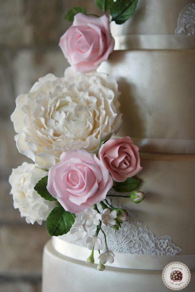 Wedding cake, fondant cake, lace, tartas de boda, tortas, mericakes, barcelona, peony, sugar flowers, flores de azucar, encaje, nude, pastry, pasteleria creativa, spain wedding, bodas reales 5