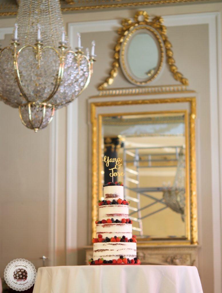 semi naked cake, mericakes, wedding cake, Hote Palace, Spain wedding, red velvet, berries, tarta de boda, fruit cake, pasteleria creativa, tartas barcelona, cake topper, wedding blogguer, bodas reales, barcelona 9