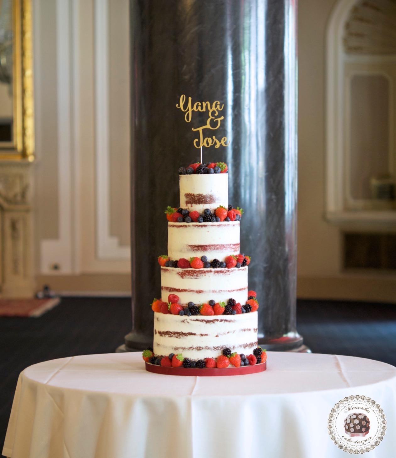 semi naked cake, mericakes, wedding cake, Hote Palace, Spain wedding, red velvet, berries, tarta de boda, fruit cake, pasteleria creativa, tartas barcelona, cake topper, wedding blogguer, bodas reales, barcelona