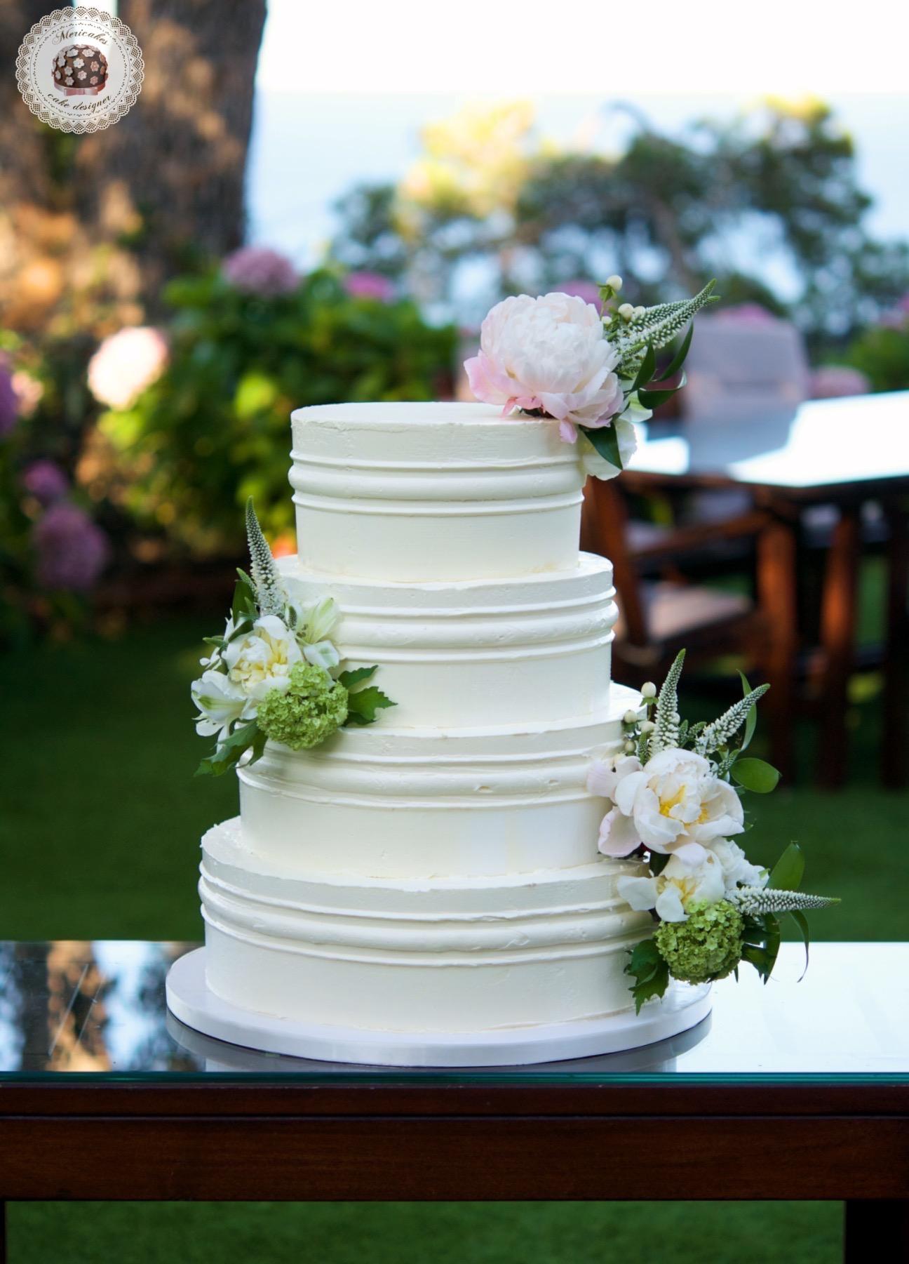 Cream cake, wedding cake, tarta de boda, swiss buttercream, mericakes, convent de blanes, mediterranean sea, flowers cake, red velvet, spain wedding, peony 1