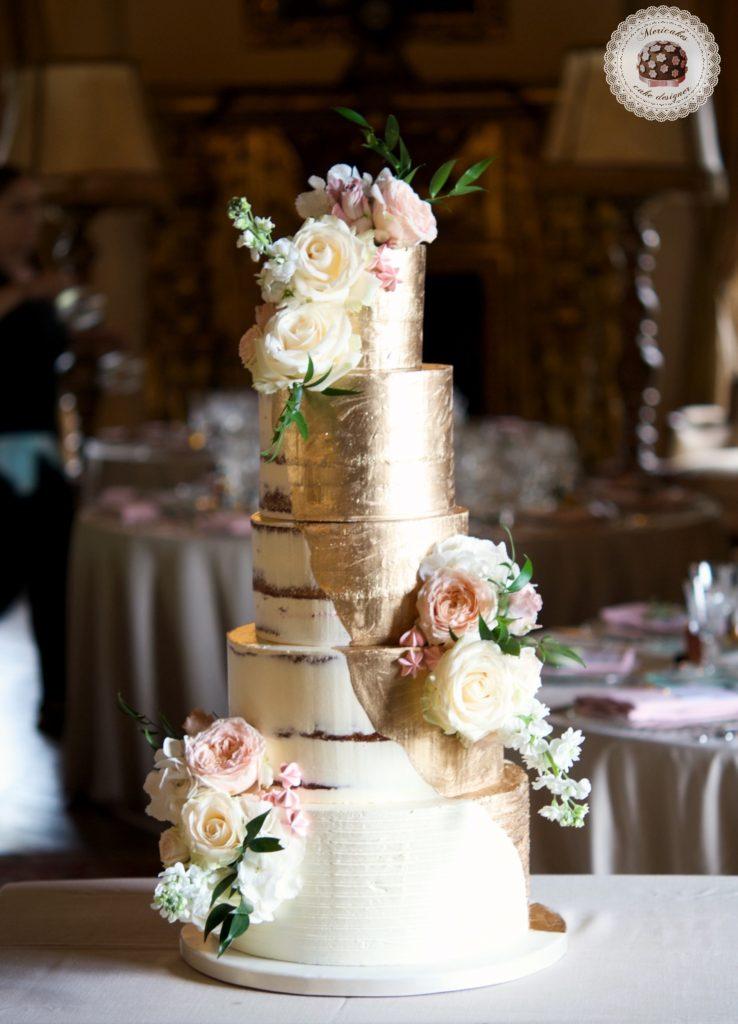 Semi naked cake, gold cake, oro, gold wedding, fresh flowers, mericakes, tartas de boda, wedding cake, la baronia, wedding flowers, roses, cake artist, barcelona, champagne 6