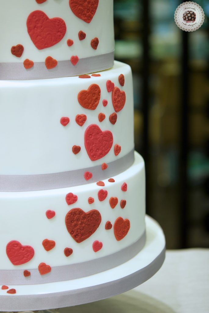 Tarta de boda, wedding cake, hearts cake, fondant, barcelona, mericakes, cava, rosas, almendra, champagne cream, groom, bride, cake topper, sugarcraft, chocolate, melia sarria 5