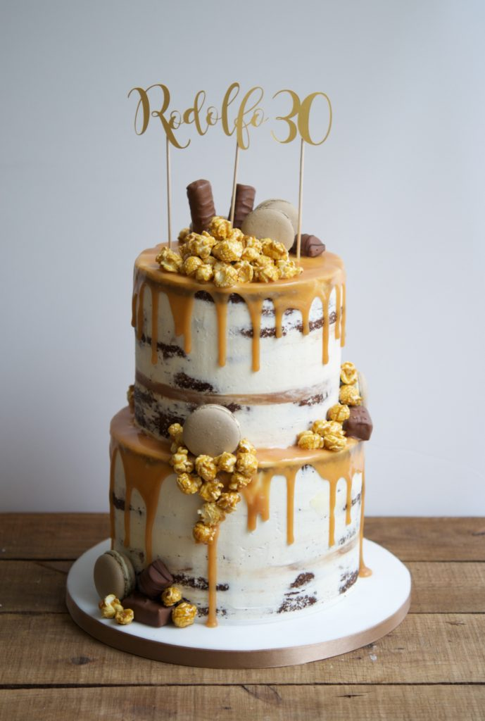 Drip cake, chocolate, semi naked cake, mericakes, birthday cake, party cake, tartas barcelona, tartas decoradas, pastel cumpleaños, macarons, popcorns, toffee