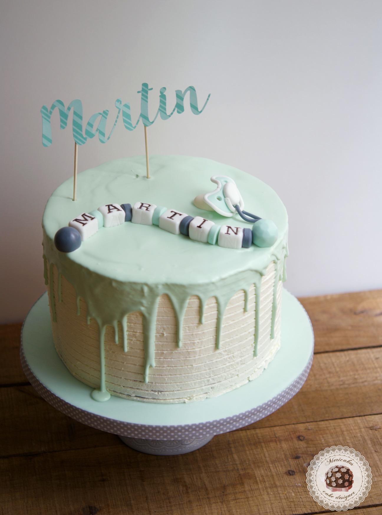 Tarta bautizo, baptism cake, mericakes, drip cake, cream cake, baby cake, barcelona, tartas decoradas, tartas barcelona, chocolate, topper, chupete, sujeta chupete, cake artist 1