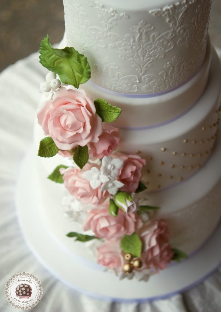 Roses & Hydrangeas Wedding Cake