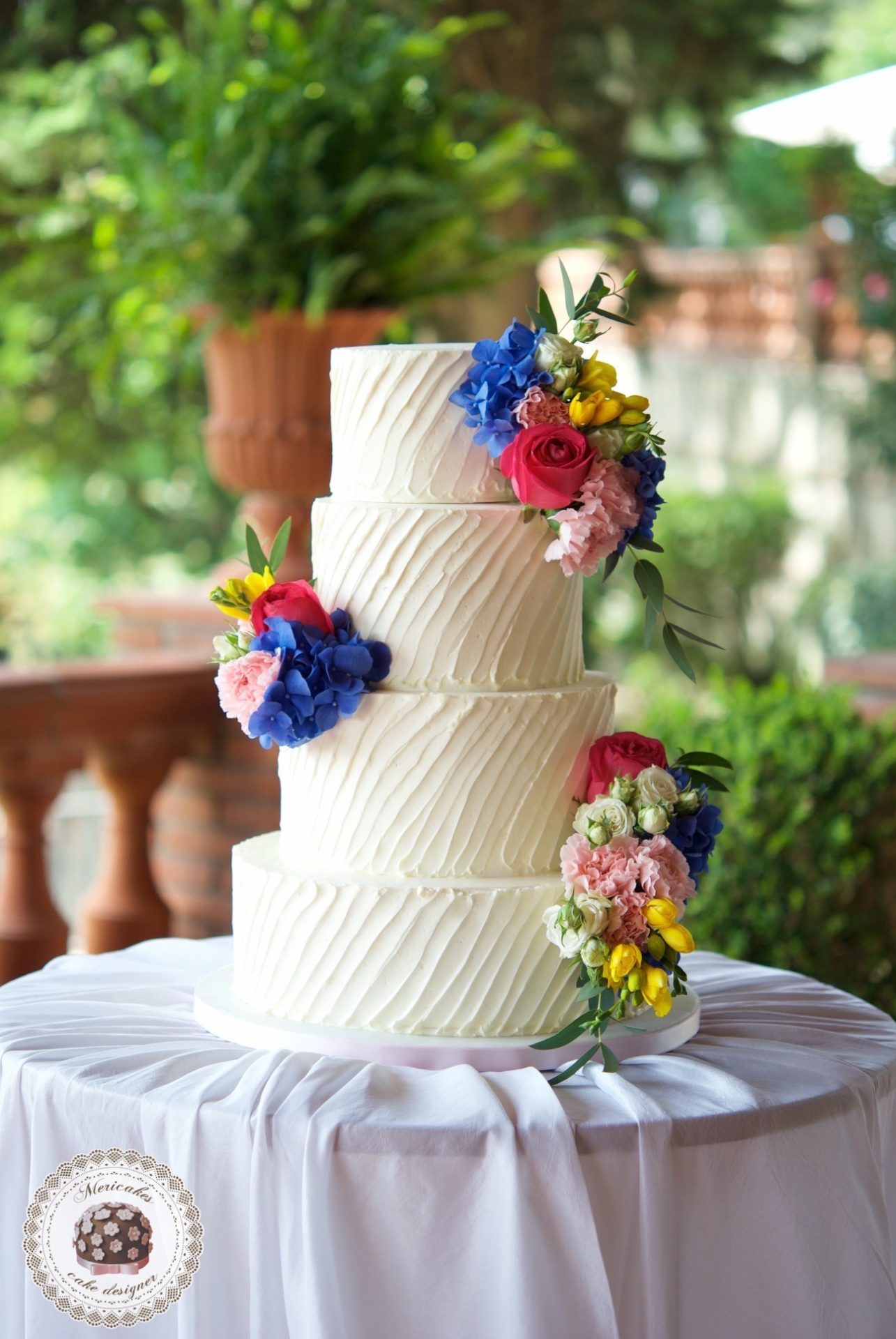 cream cake, wedding cake, stripes cake, mericakes, mas de sant llei, barcelona, tarta de boda, wedding flowers 1