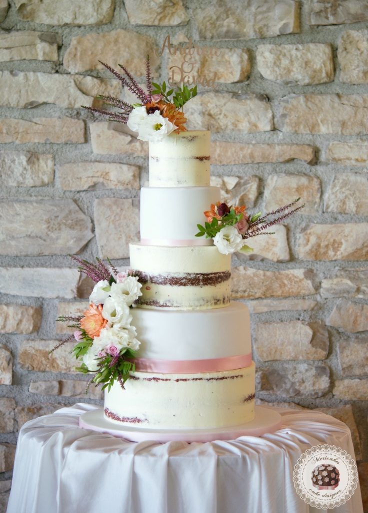 Cream & Fondant Wedding Cake