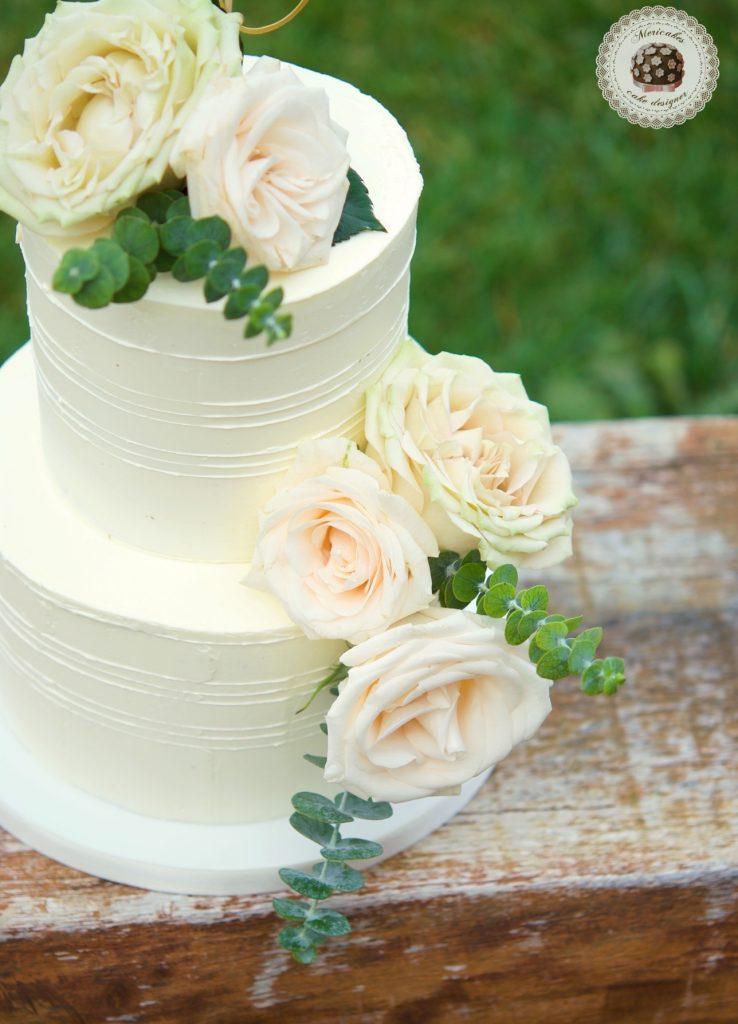 Romantic Wedding Cake, cream cake, tarta de boda, mericakes, barcelona, rosas, cake topper, eucalipto, spain wedding 3