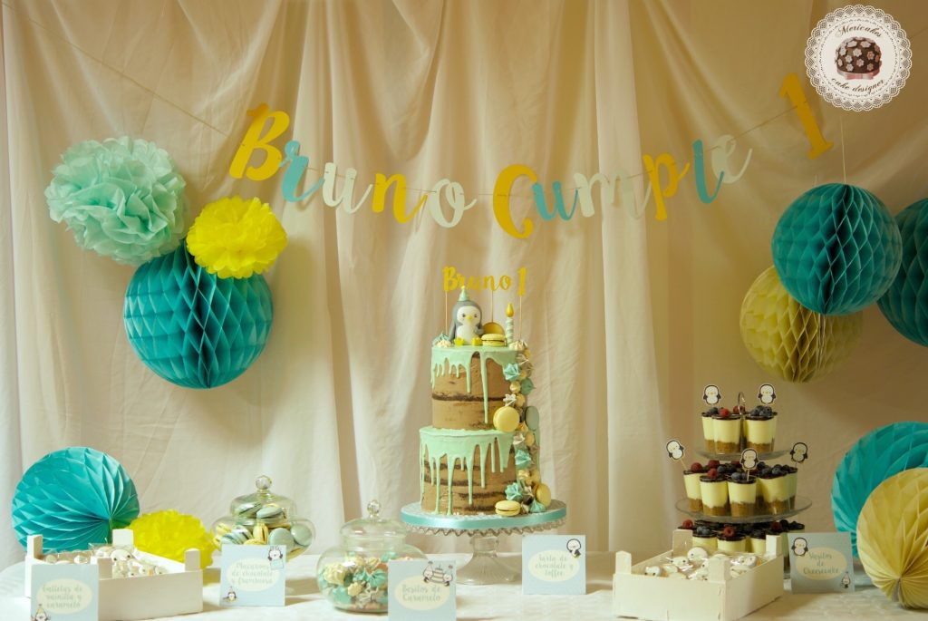 mesa dulce, candy bar, dessert table, drip cake, baby party, pinguino, penguins, cookies, cheese cake, macarons, mericakes, barcelona
