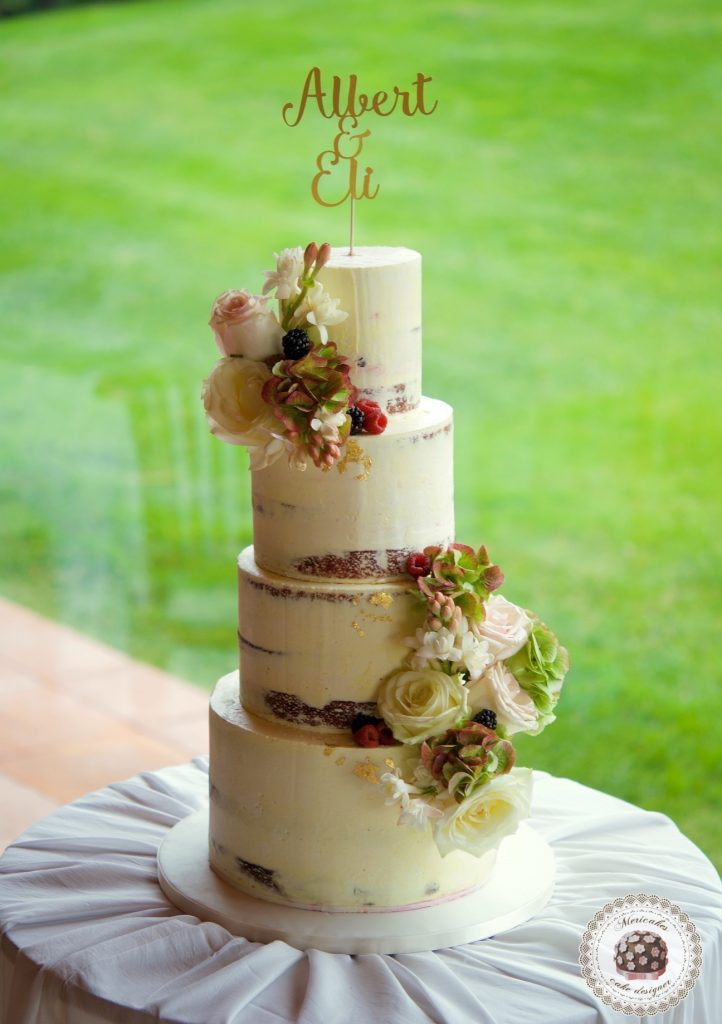 Semi naked flowers cake