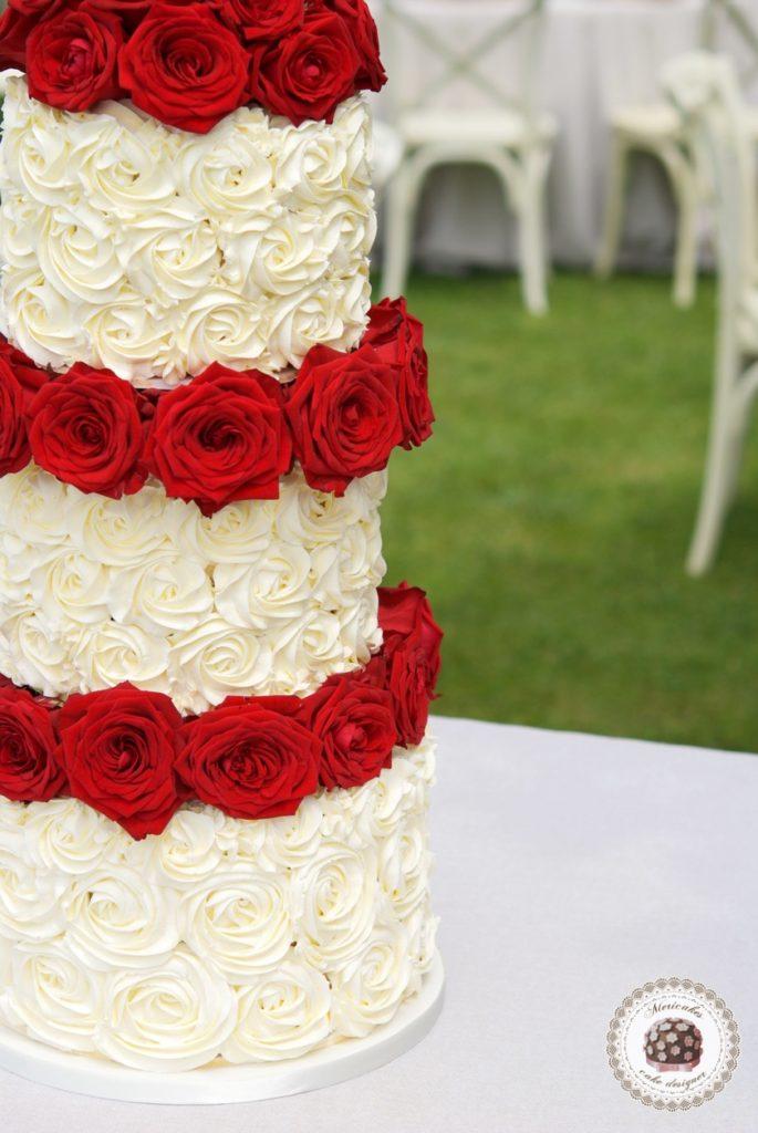 Cream Roses Cake