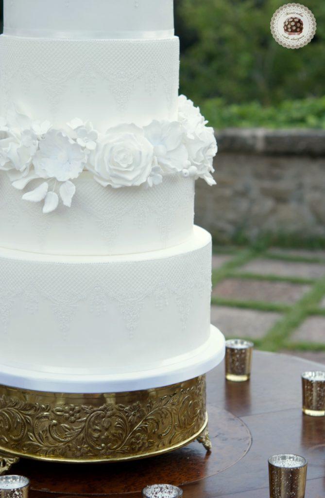 Lace & Blooms Wedding Cake, luxury wedding cake, tarta de boda, fondat cake, encaje, sugar flowers, mericakes, flores de azucar, tartas decoradas, soaring cakes, barcelona 3