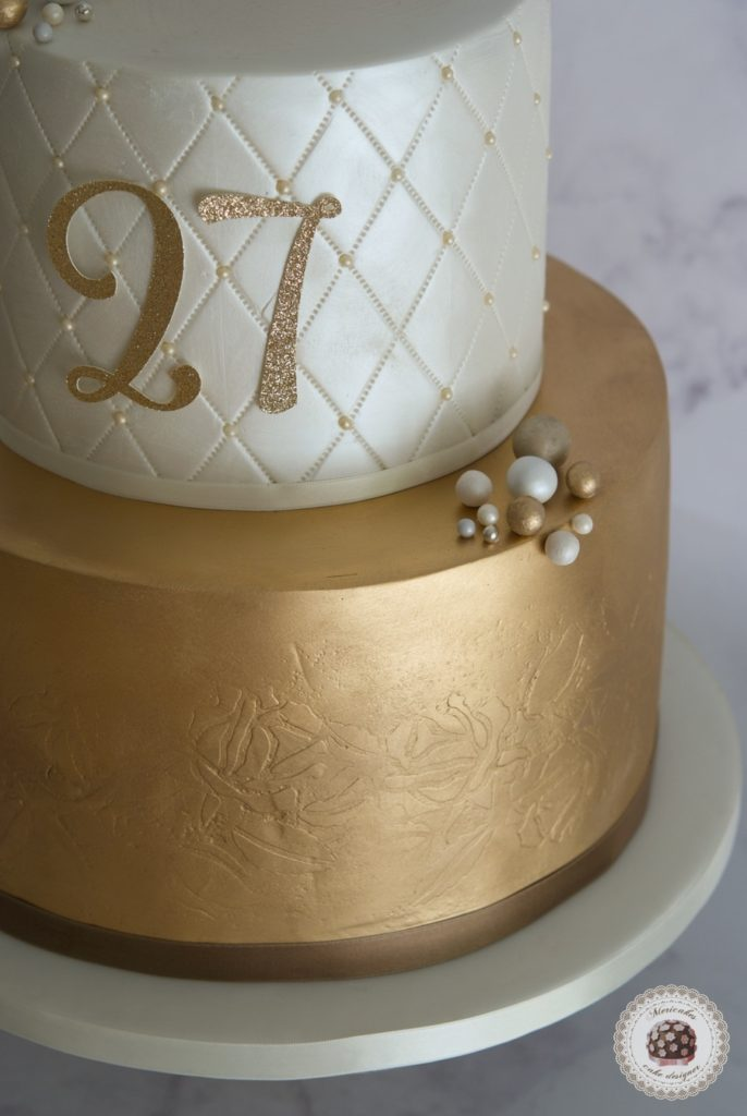 Pearls and gold cake