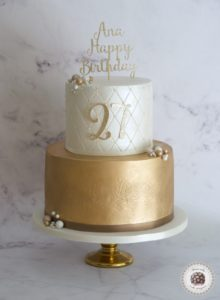 Pearls and gold cake,