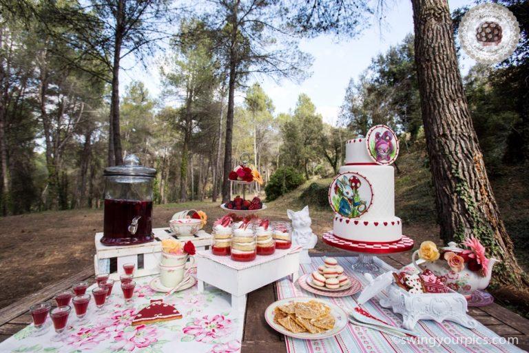 mesa-dulce-sweet-table-sugartremens-mericakes-sensacions-barcelona-aliciaa-en-el-pais-de-las-maravillas-alice-in-the-wonderland-cake-macarons-cookies-tarta-16