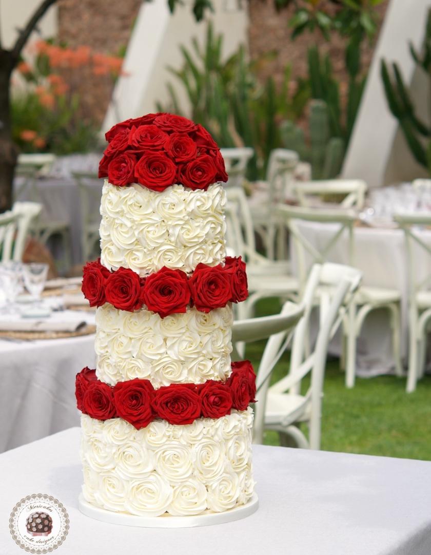 Cream Roses Cake,