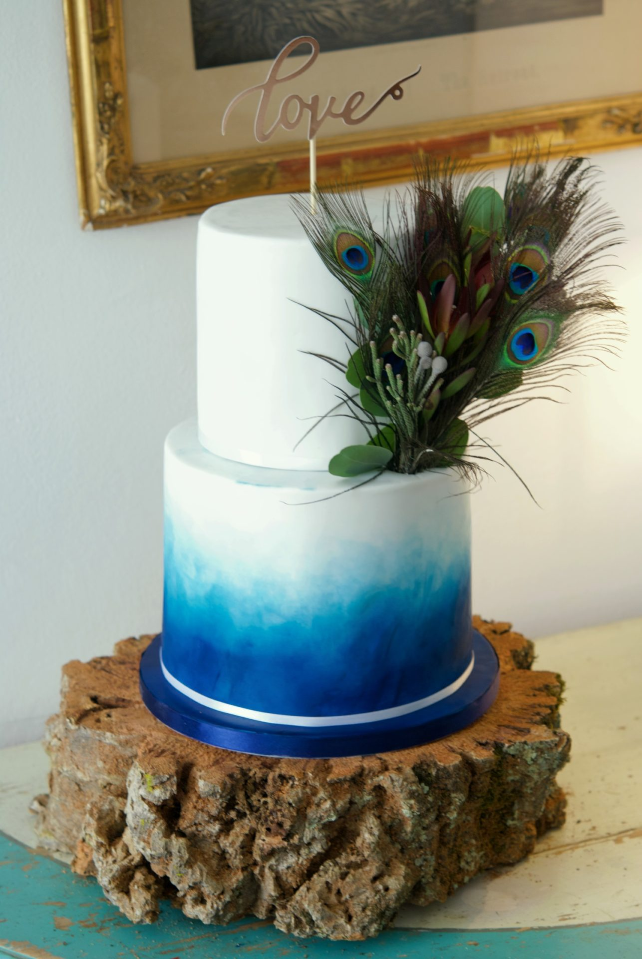 Peacock feathers wedding cake