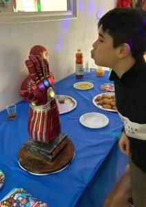 Nano gauntlet cake