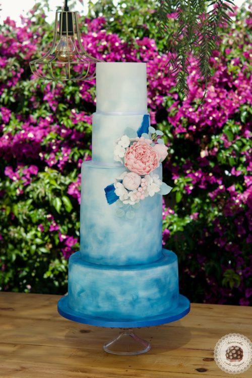 Blue Watercolor Wedding Cake, Tarta de boda, sugarflowers, fondant cake, pistachio cake, raspberry cream, flores de azucar, mericakes, barcelona wedding, luxury wedding cake
