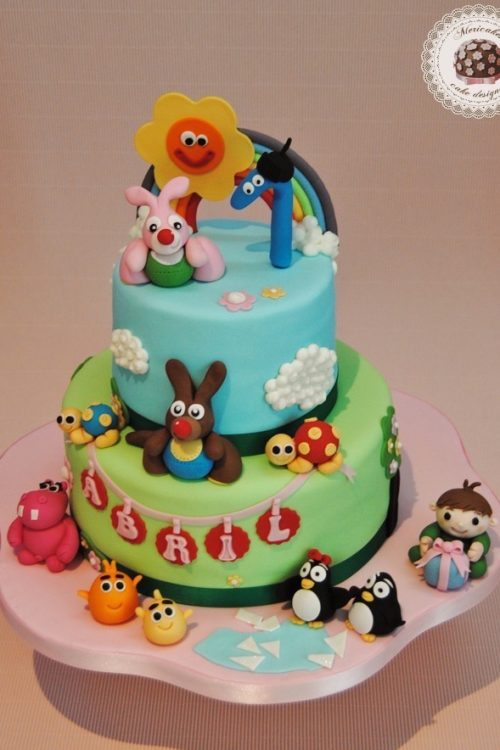 tarta-babytv-tarta-infantil-mericakes-barcelona-red-velvet-baby-cake-first-birthday-cumlpeanos-cake-decorating-reposteria-creativa