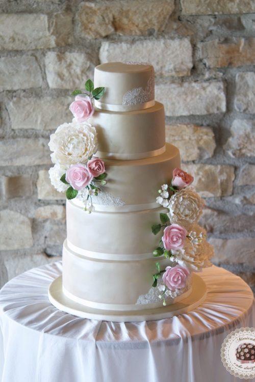 Wedding cake, fondant cake, lace, tartas de boda, tortas, mericakes, barcelona, peony, sugar flowers, flores de azucar, encaje, nude, pastry, pasteleria creativa, spain wedding, bodas reales