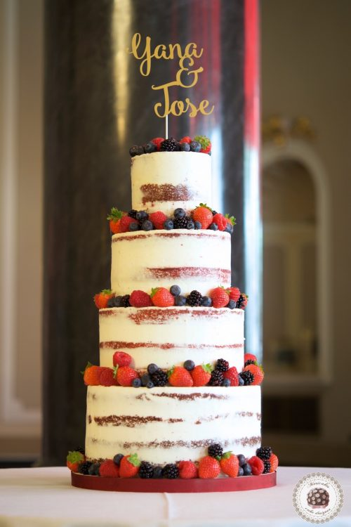 semi naked cake, mericakes, wedding cake, Hote Palace, Spain wedding, red velvet, berries, tarta de boda, fruit cake, pasteleria creativa, tartas barcelona, cake topper, wedding blogguer, bodas reales, barcelona 7