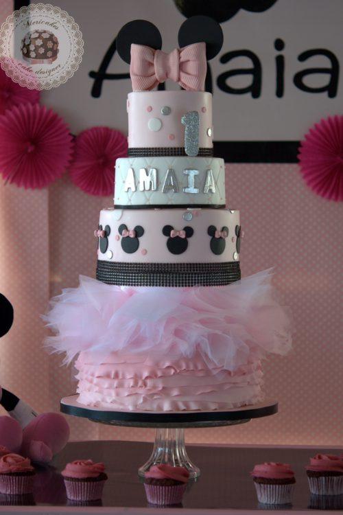 tarta-minnie-mousse-tartas-barcelona-tartas-decoradas-mericakes-tarta-infantil-disney-rosa-fondant-cumpleanos-vainilla-y-frambuesas-15
